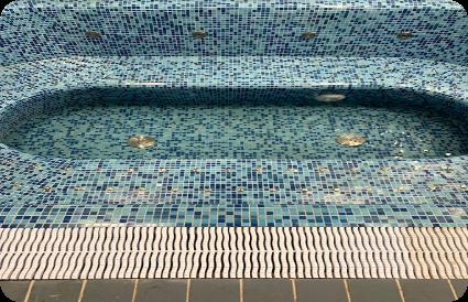 masažinis baseinas prieš prileidžiant vandenį