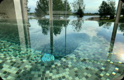 Vidaus plaukimo ir masažiniai baseinai privačiame name